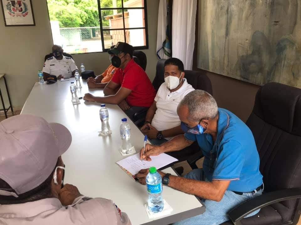 Alcaldía  De cabrera se  reune con el comité municipal de prevención, mitigación